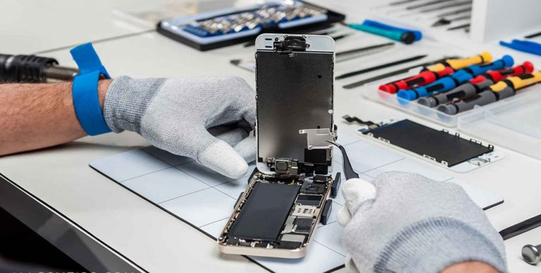 WHICH PHONE REPAIR SERVICE TO CHOOSE